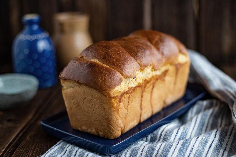 Toastbrot selber backen - Klassisches Toastbrot Rezept mit Hefe