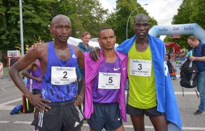 21 06 2015, 21.Hella Halbmarathon Hamburg, , #5 Sieger Merhawi Kesete, 2. Platz #3 Daniel Kipgosgei Yator, 3. Platz #2 Charles Cheruijot