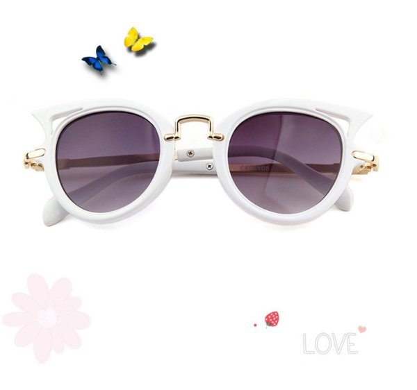 Kindersonnenbrille cateyes Katzenaugenform weiß. Die Macherei