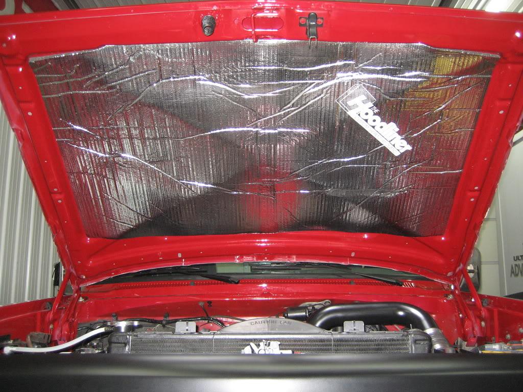 Dodge Ram 2500 2006 Under Hood
