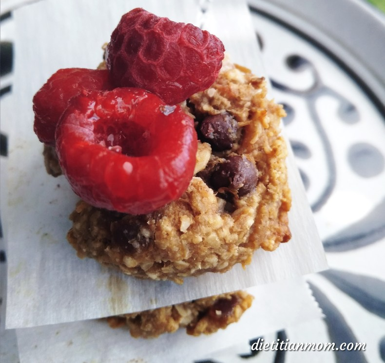 Vegan, Plant-based, dairy-free, egg-free, gluten-free, baking recipe little vegan cookies, snack, dessert recipe