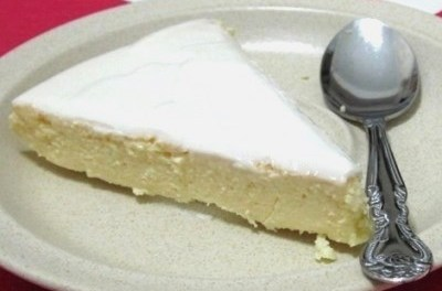 Crustless Cheesecake with Sour Cream Topping (South Beach Phase 1 Recipe)