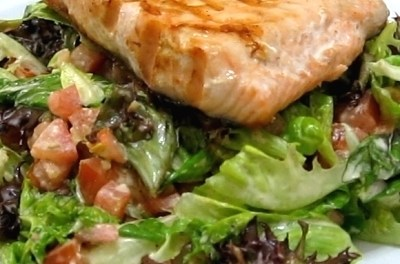 Grilled Salmon Fillet with Italian Dressing Mixed Greens Salad (Atkins Diet Phase 1 Recipe)
