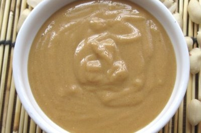 How to: Homemade Peanut Butter with Olive Oil (Video)