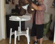 Test: Der babybay Babywok Wickeltisch – Schraub Dein Baby hoch!