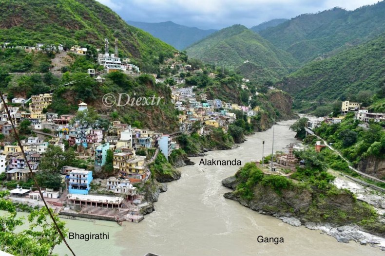 The contrast between the two rivers joining At Devprayag