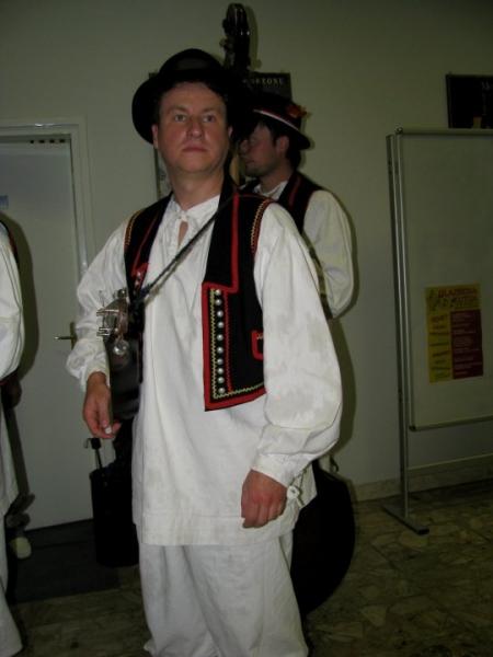 folklor2011050811282023