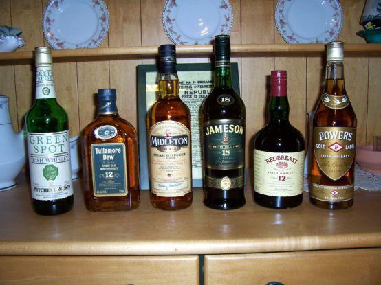 Key Difference - Bourbon vs Whiskey