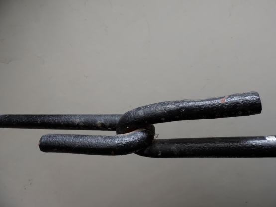 Key Difference - Cast Iron vs Wrought Iron