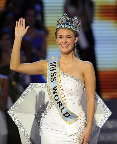 Miss World vs Miss Universe