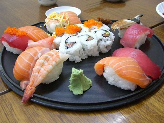 Difference Between Sushi and Maki