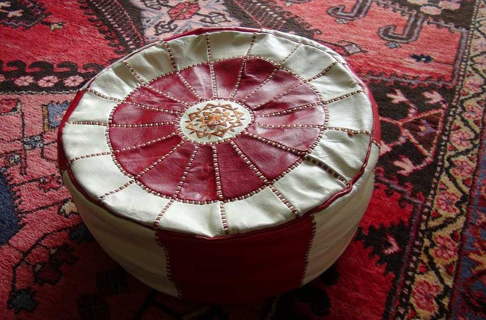 difference between ottoman and hassock