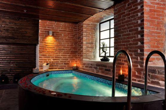 Key Difference -  Sauna vs  Spa