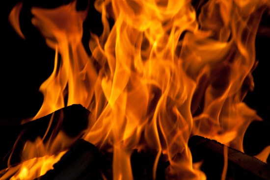 Difference Between Combustion and Pyrolysis