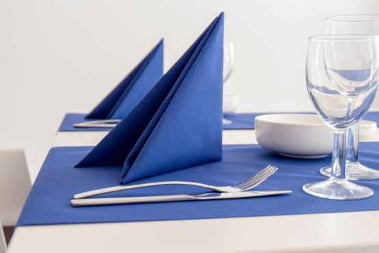 Difference Between Napkin and Serviette
