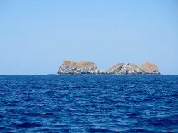 Roches au milieu de l'océan