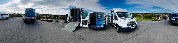 Les camionnettes vestiaires du club de plongée de Silfra