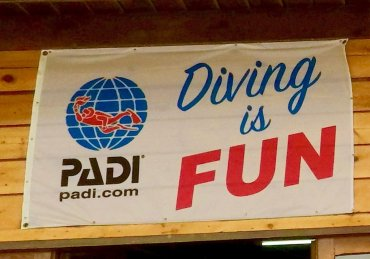 Why we hate PADI (… but we can not help coming back)