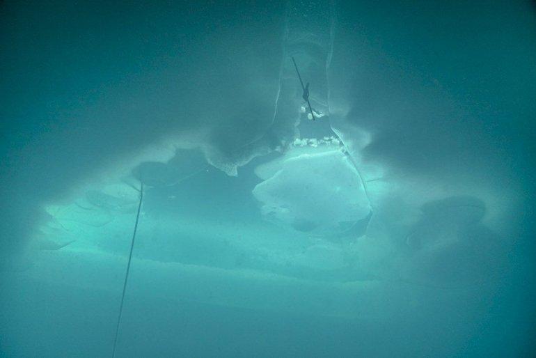 Prise de vue de la sortie de la plongée sous glace.