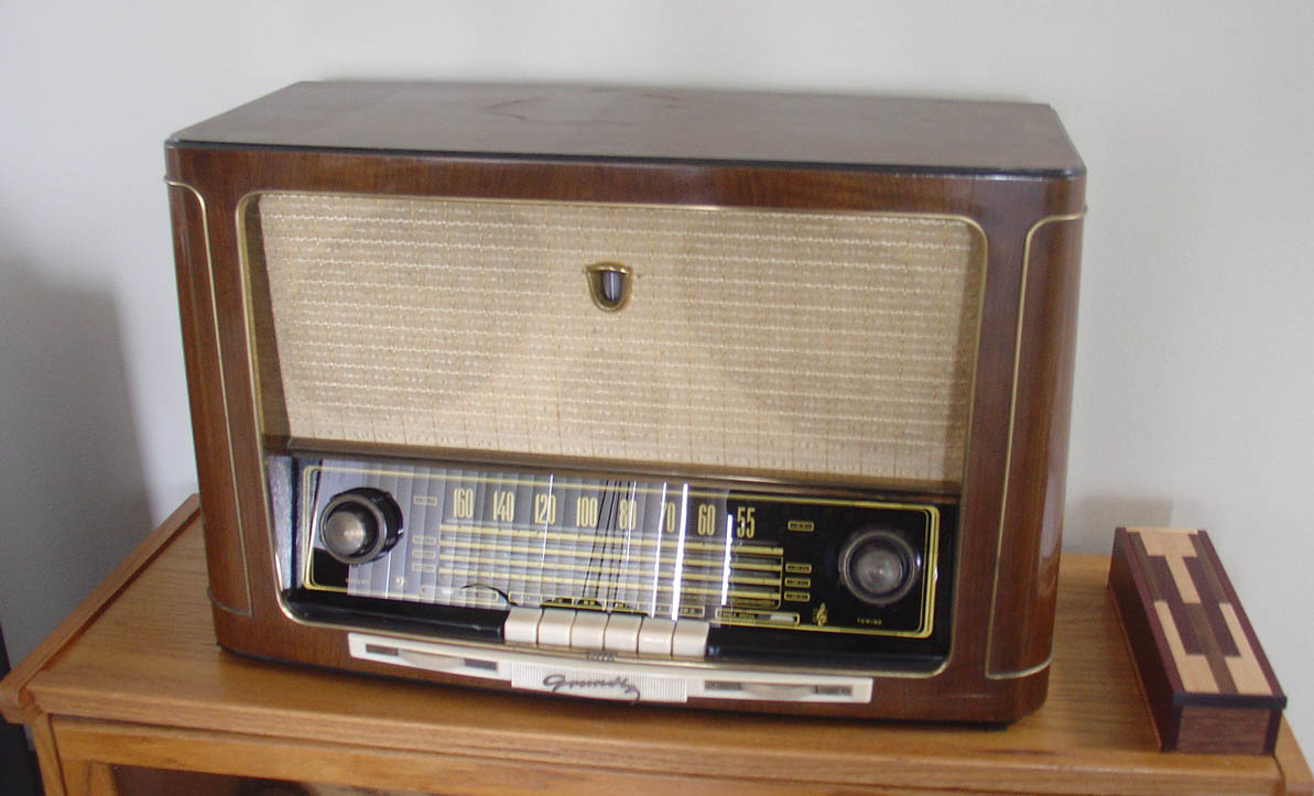 Radio we had was very very simial to the one in pic