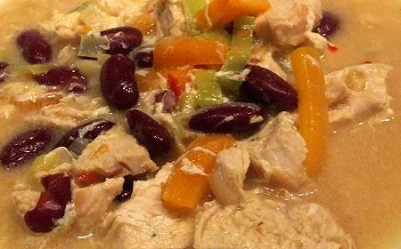 Hühnersuppe asiatisch mit mexikanischen Bohnen