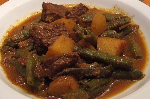 Rindercurry mit grünen Bohnen und Kartoffeln