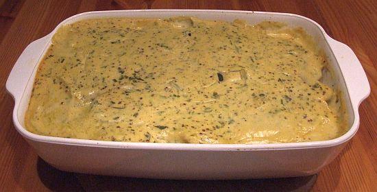 Kartoffel-Spargel-Auflauf mit Estragon-Senfsoße