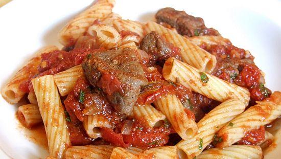 Foto Pasta mit Lamm und Tomaten-Minz-Soße