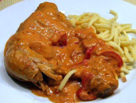 Ungarisches paprikah hnchen csirkepaprik s lotta kochende leidenschaft for Ungarisches paprikahuhn