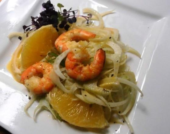 marinierter Fenchelsalat mit Orangenspalten und Crevetten