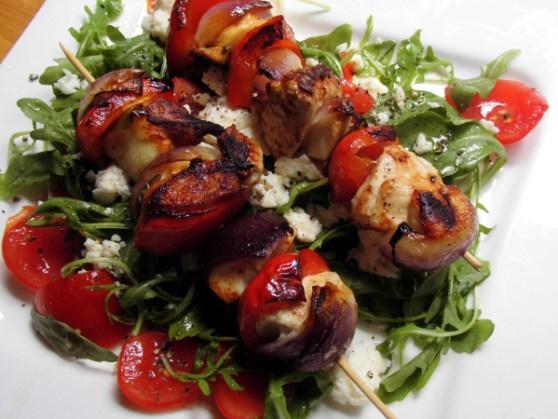 Hühnchen-Halloumi-Spiesse mit Paprika, Zwiebel und Aubergine