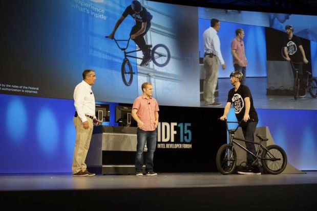 IDF 2015 Intel Curie для спорта