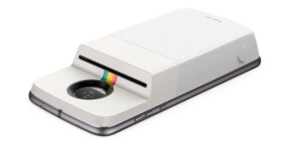 Видео: гаджет Polaroid для мгновенной печати фото на смартфоне Moto Z