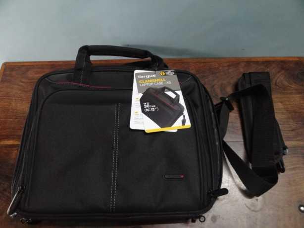 Targus 10.2 Tablet Bag [Review] (4)