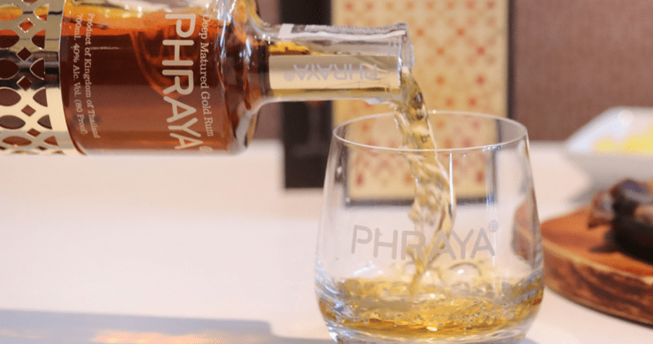 Weibo & Influencers: PHRAYA's answer in introducing luxury rums to China   Digital 38