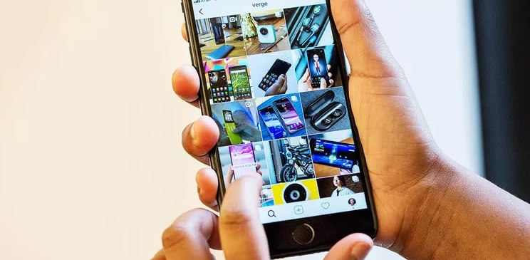 Instagram launches a portrait mode and a new way to tag friends in Stories