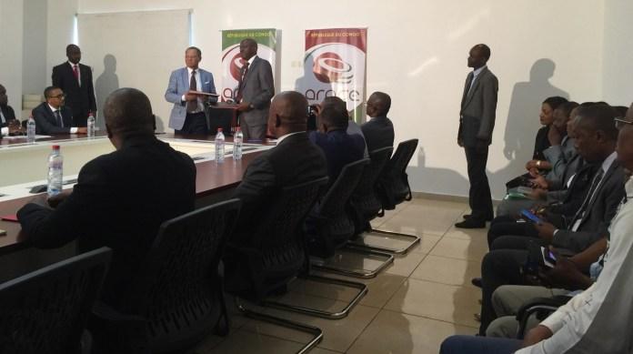 Yves Castanou, DG de l'ARPCE, et Lin Mombo, Président du Conseil de régulation de l'ARCEP Gabon