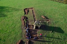 The Tinkinswood community archaeology diggers. Image © Adam Stanford.