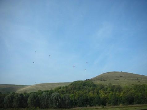 Mount Caburn Hillfort Paragliders.