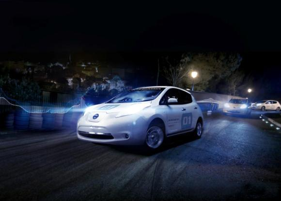 2014-nissan-leaf-electric-race