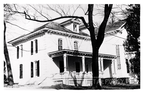 'Aunt Mary Patterson's House Where Holiday Inn is now'