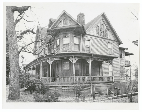 House at the southwest corner of Summit and Fifth Street.