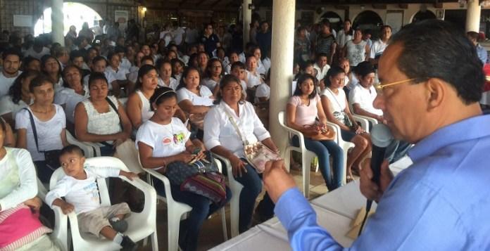 entrega_pago_becas_acapulco (2)