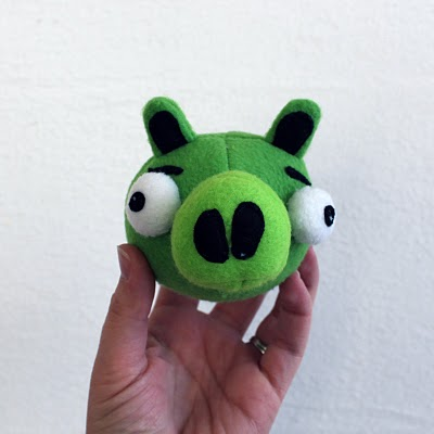 angry birds baby pig