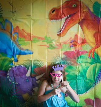 dinosaur-photo-booth-fun