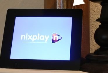 Nix Digital Photo Frame Streams Photos from Instagram and more!