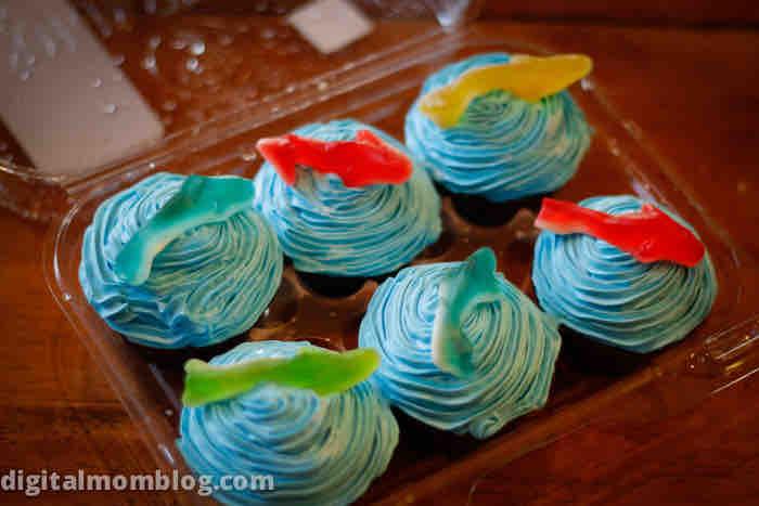 great blue cupcake