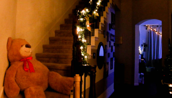 lighted-stairs-for-christmas