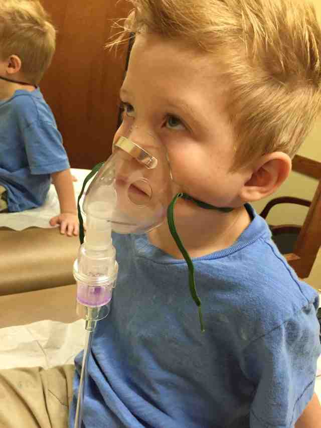 pneumonia breathing treatments