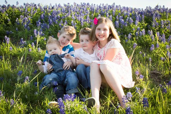 5 Tips for Taking Texas Bluebonnet Photos With The Family